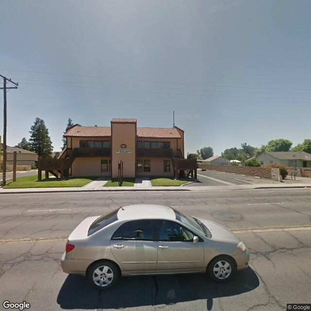 1077 Morton Ave, Porterville, CA 93257