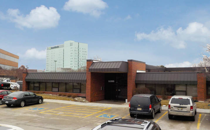 11225 Davenport Street, Omaha, NE, 68154