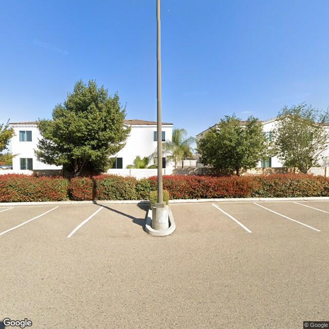 1747 W Walnut Ave, Visalia, CA 93277