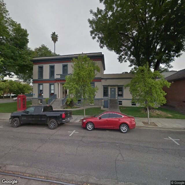 204 E Oak St, Visalia, CA 93291