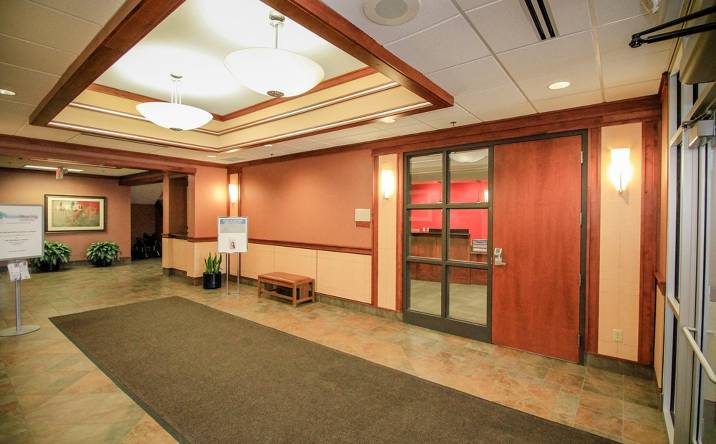 2680 N Snelling Avenue, Suite 100, Roseville, MN, 55113