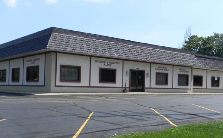 4402-4406 S 68th St, Greenfield, WI, 53220