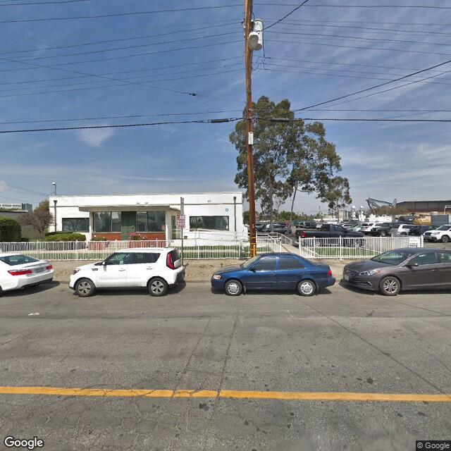 695 E 27th St, Signal Hill, CA 90755