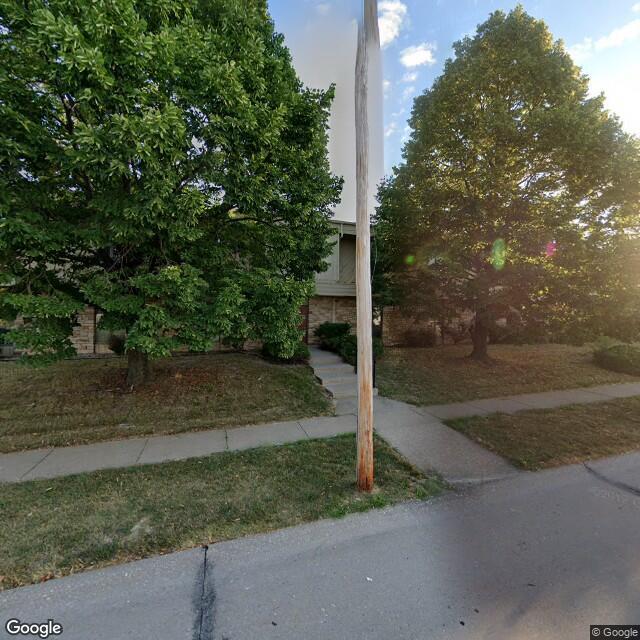 2010 E 38th St,Davenport,IA,52807,US