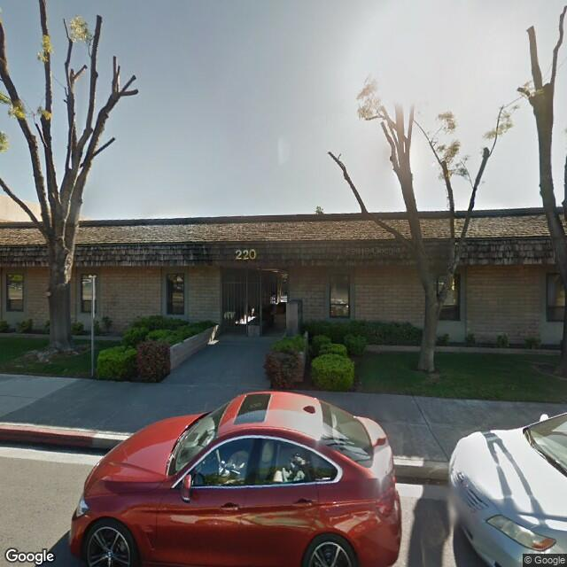 220 S Mooney Blvd,Visalia,CA,93291,US