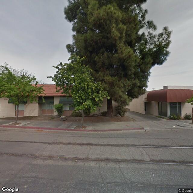 636 W Oak St,Visalia,CA,93291,US