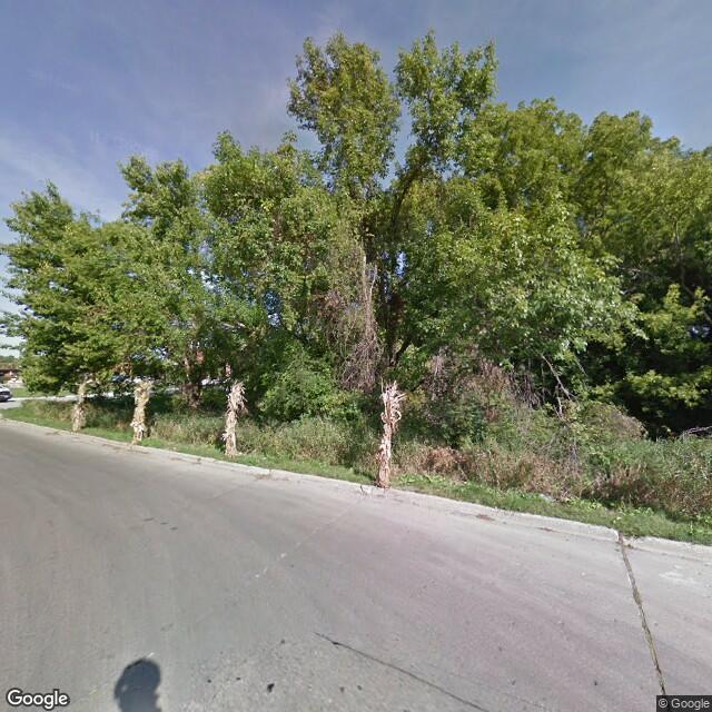 8421 University Ave,Clive,IA,50325,US