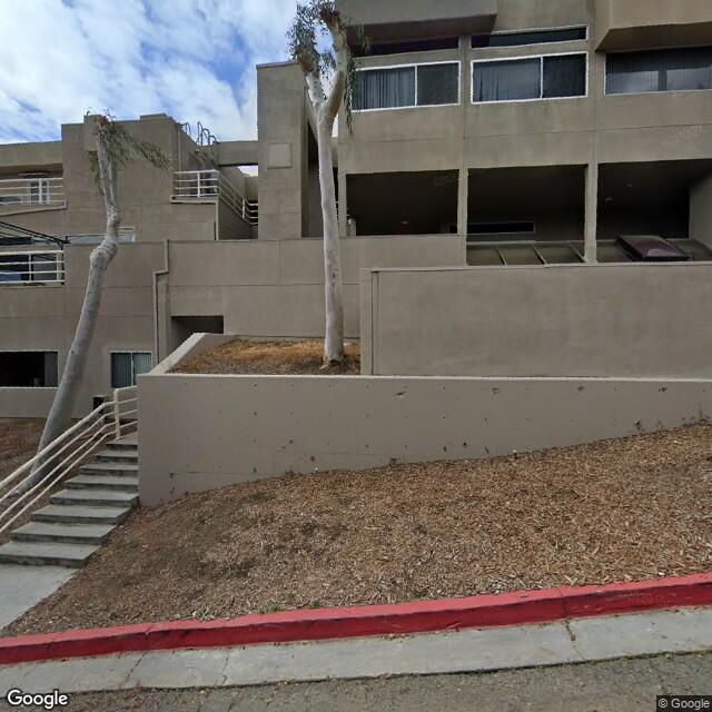 990 Highland Dr,Solana Beach,CA,92075,US