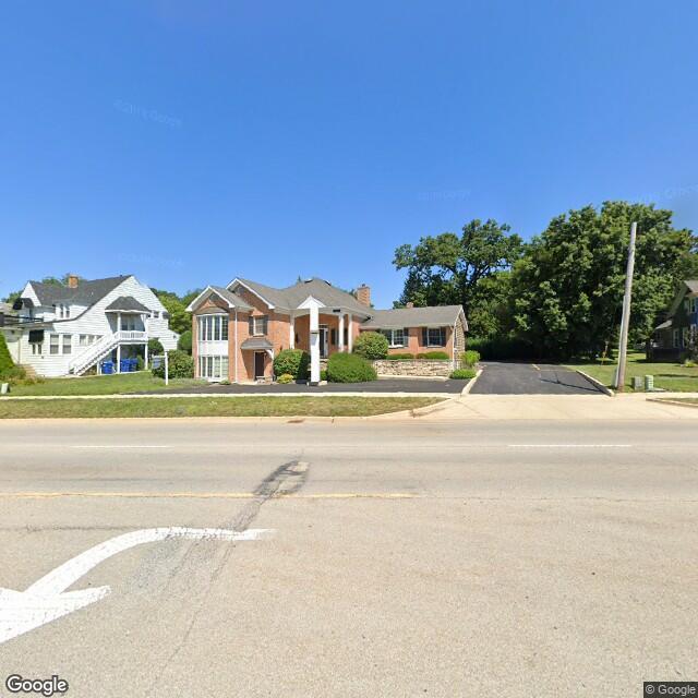 1218 E Main St,Saint Charles,IL,60174,US