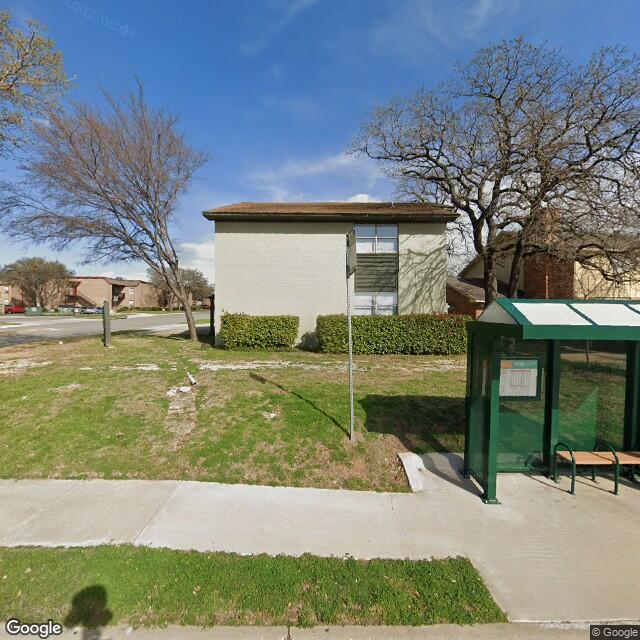 700 Londonderry Ln,Denton,TX,76205,US