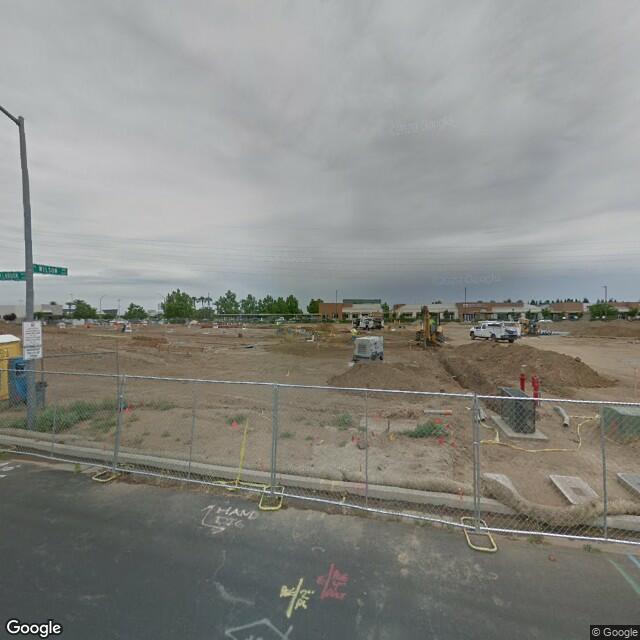 7700 N Palm Ave,Fresno,CA,93711,US