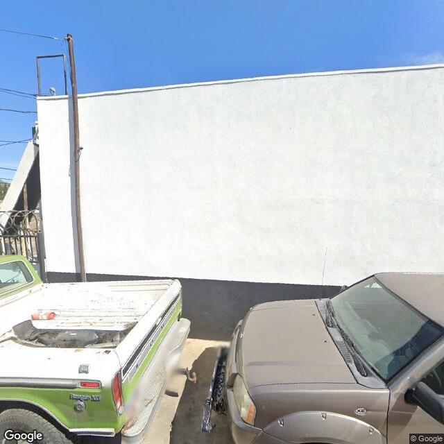 19825 Ventura Blvd,Woodland Hills,CA,91364,US