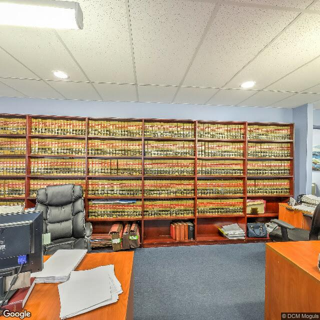371 Merrick Rd,Rockville Centre,NY,11570,US