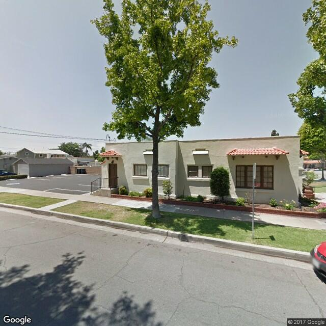 702-704 E Chapman Ave