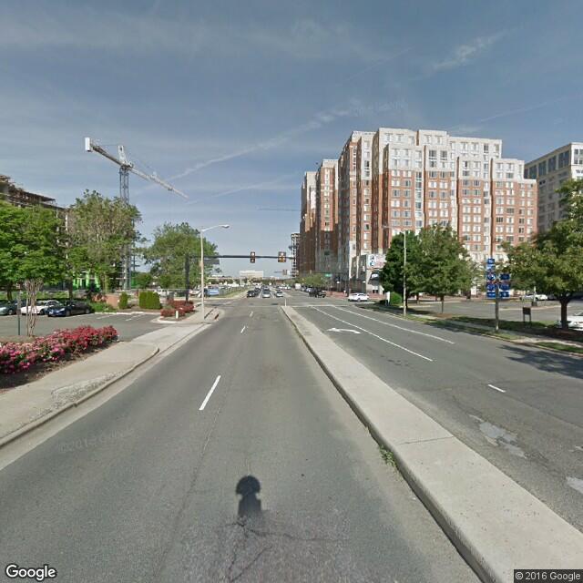 2121 Eisenhower Avenue