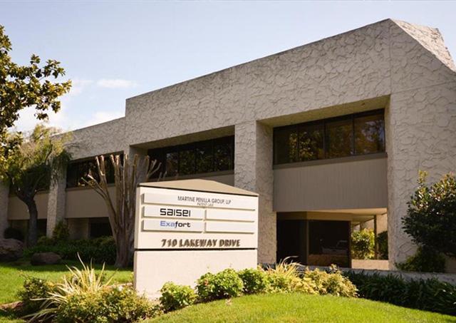 710 Lakeway Dr