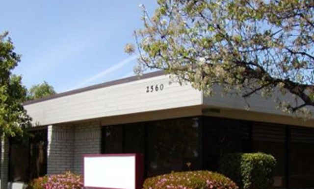 2560 W. Shaw Lane Ave.