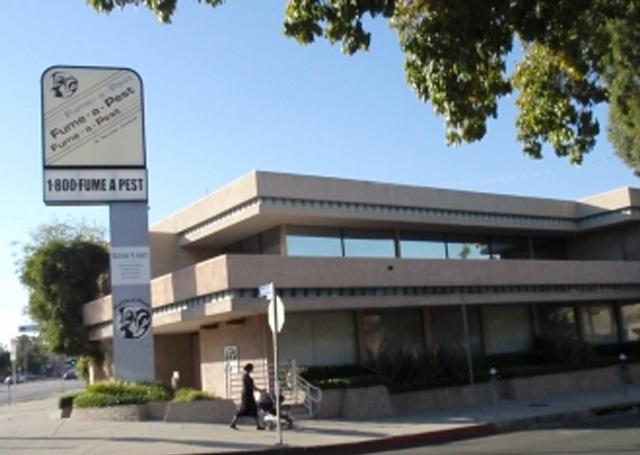 17801 Ventura Blvd